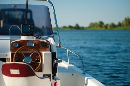 Malibų laivo nuoma ir svarbiausi saugumo reikalavimai